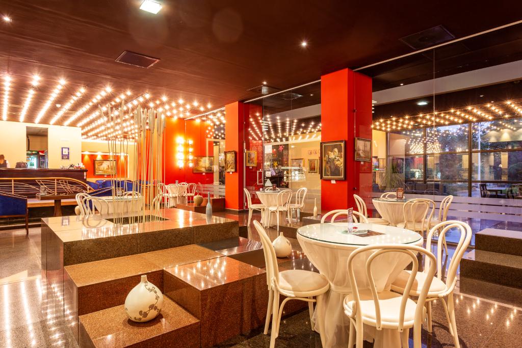 """""""Vienna"""" Cafe"""