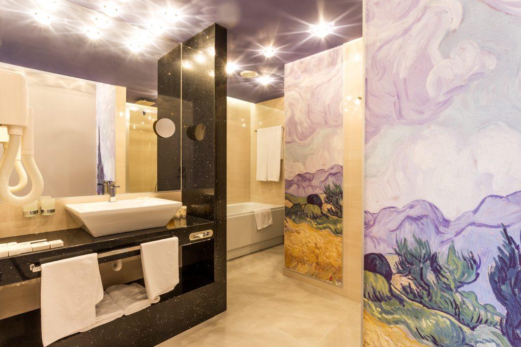 apartment-bathroom